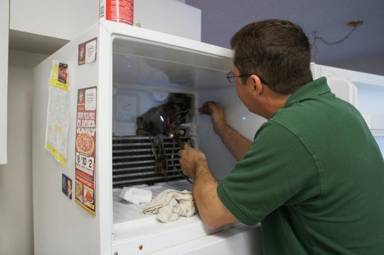 thay gas tủ lạnh giá bao nhiêu